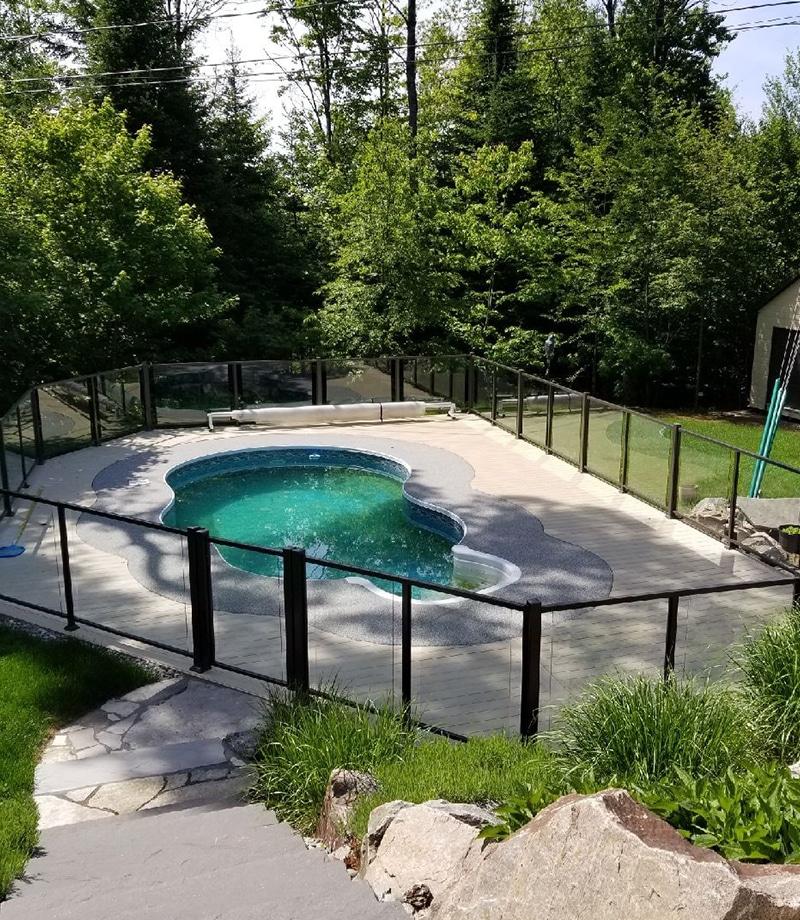 rampes piscine extérieur